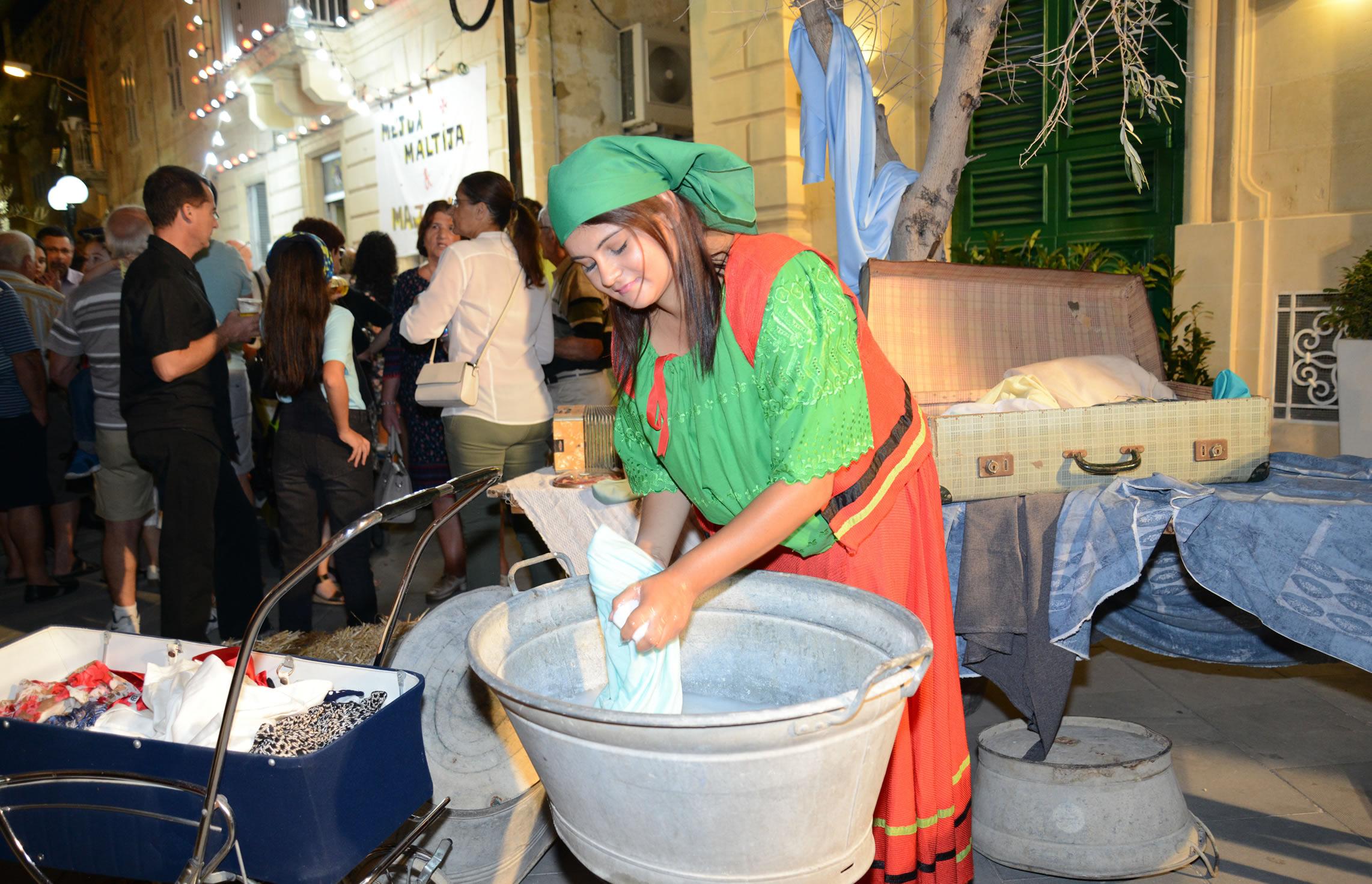Zejt iz-Zejtun (Olive Festival)